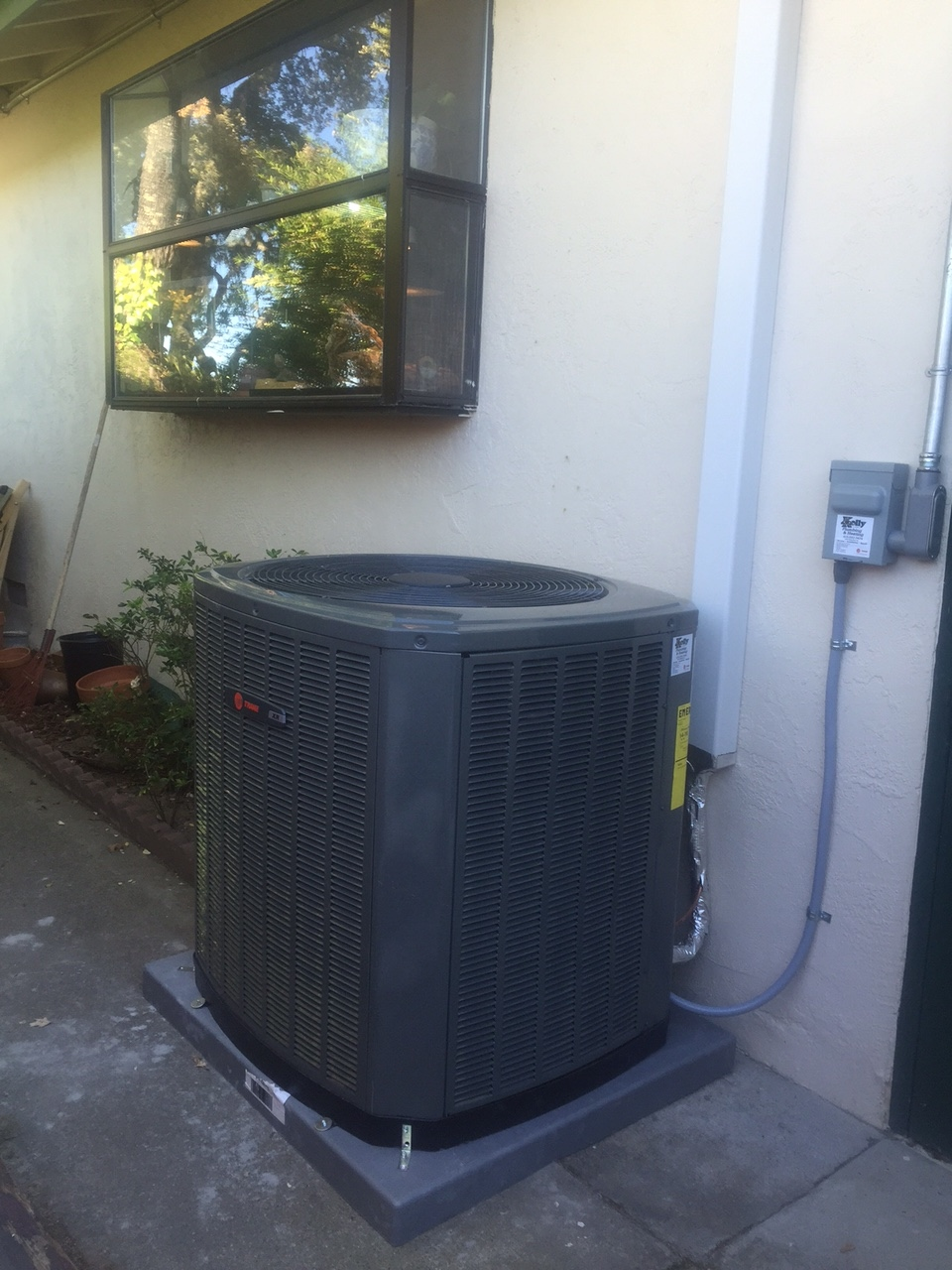 Service and Repair Air Conditioner in Novato Kelly Plumbing & Heating